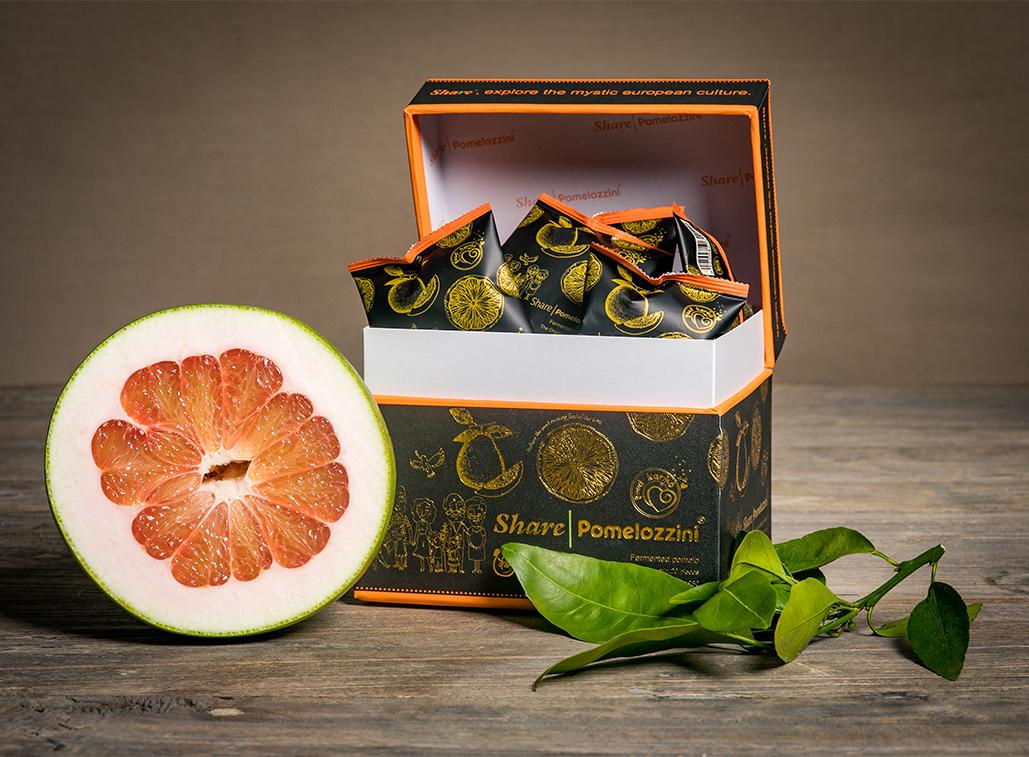 Share Pomelozzini Box geöffnet mit Einzelsachets