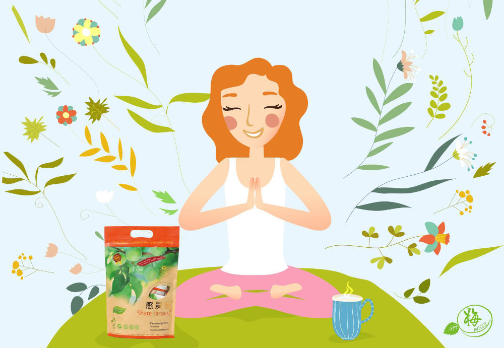 Meditierende Yoga Frau mit Share Original Pflaumen Packung